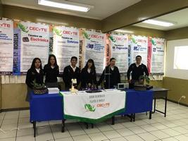Estudiantes del  CECyTEM ganan concurso literario