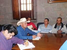 Exigen regularizar servicios en el mercado de San Juan