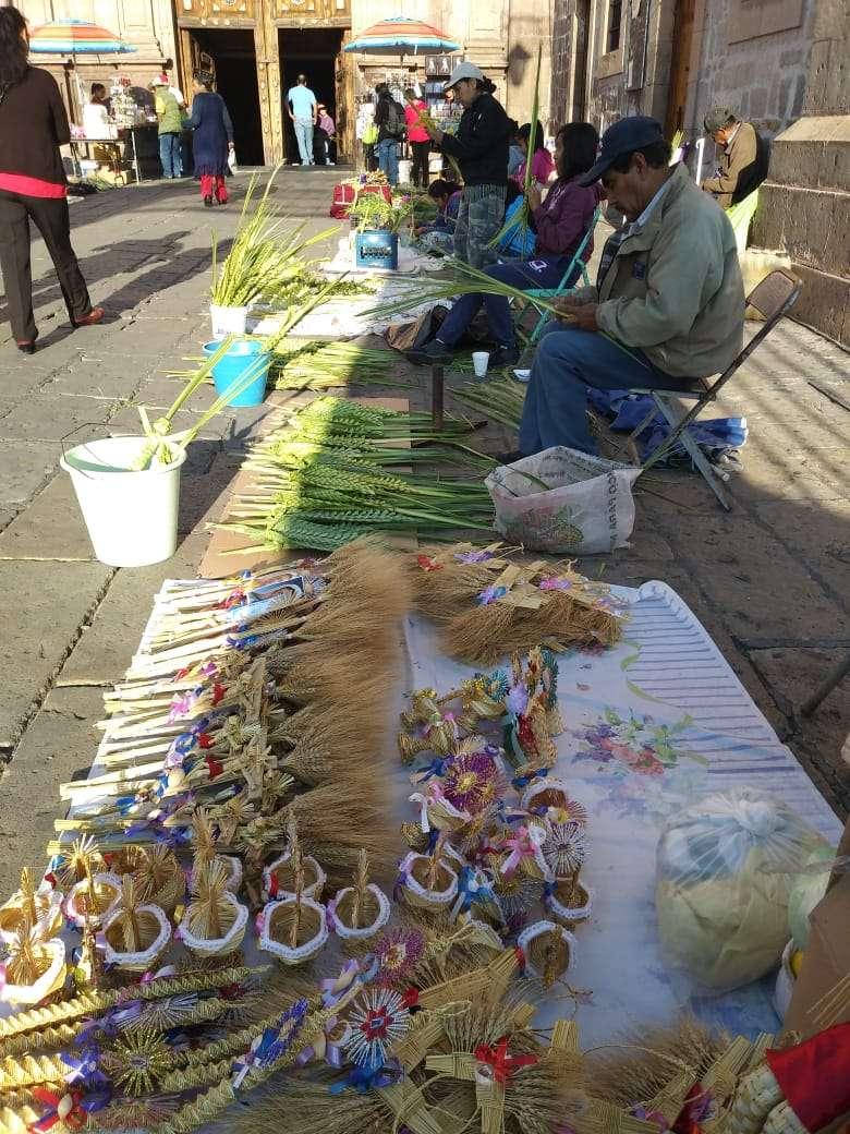 Arriban comerciantes a Morelia  por festejos  de Domingo de Ramos