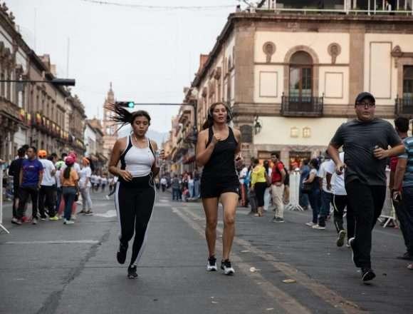Con rotundo éxito se llevó a cabo  la 4ta carrera nocturna, Morelia Corre
