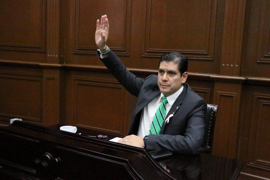 Propondrá Ernesto Núñez regulación de  fraccionamientos privados, en Michoacán