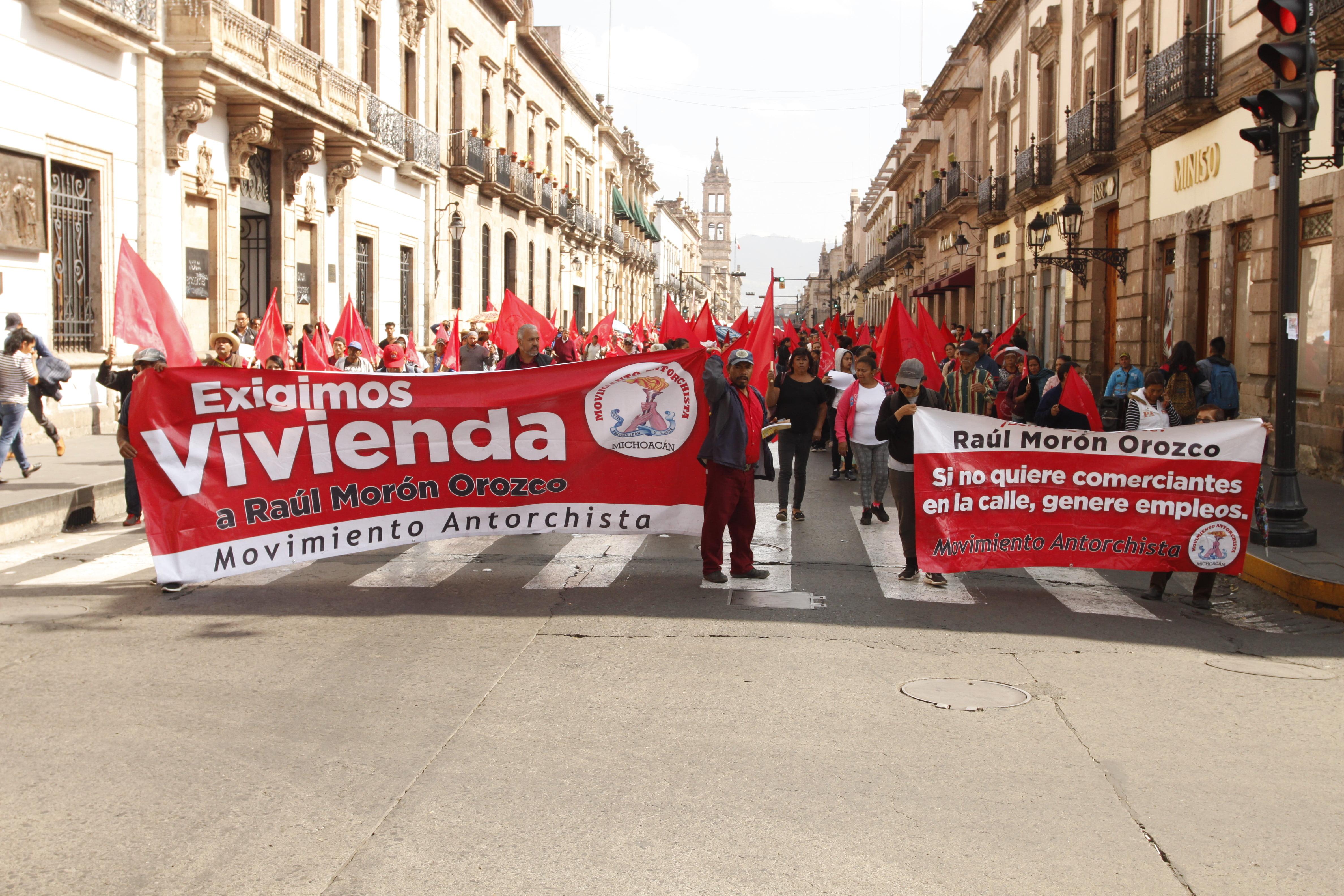 Antorchistas califican  de inepto a Raúl Morón