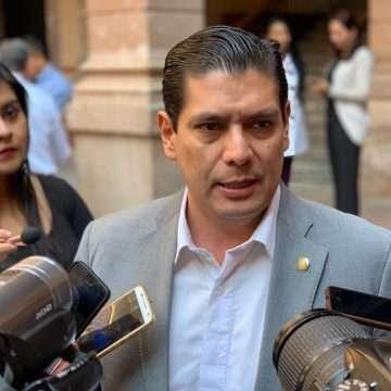 Acuerdo educativo saneará  finanzas en Michoacán