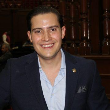 Una payasada e hipocresía las sesiones  en el Congreso del Estado: David Cortés
