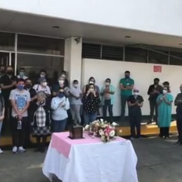 Emotivo homenaje de despedida a la  doctora Gabriela Ornelas Pacheco