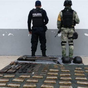 Aseguran Ejército 626 cartuchos, artefactos explosivos, un arma y dos vehículos