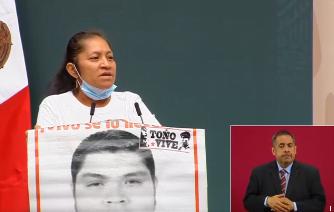 Tápeles la boca a quienes hablan mal de usted:  Padres de los desaparecidos en Ayotzinapa