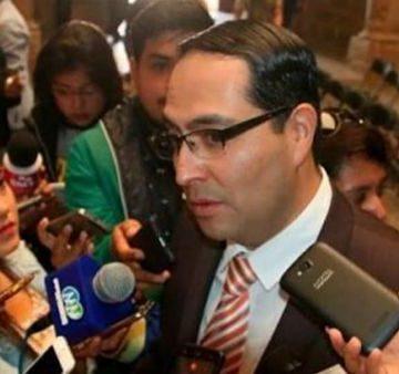Julissa Suárez Bucio y Roberto Reyes Cosari   deben ser llamados a cuentas por el Cabildo