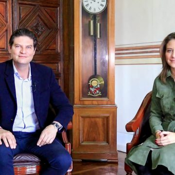 Coloquen su foto familiar en sus oficinas, pide Alfonso Martínez a funcionarios
