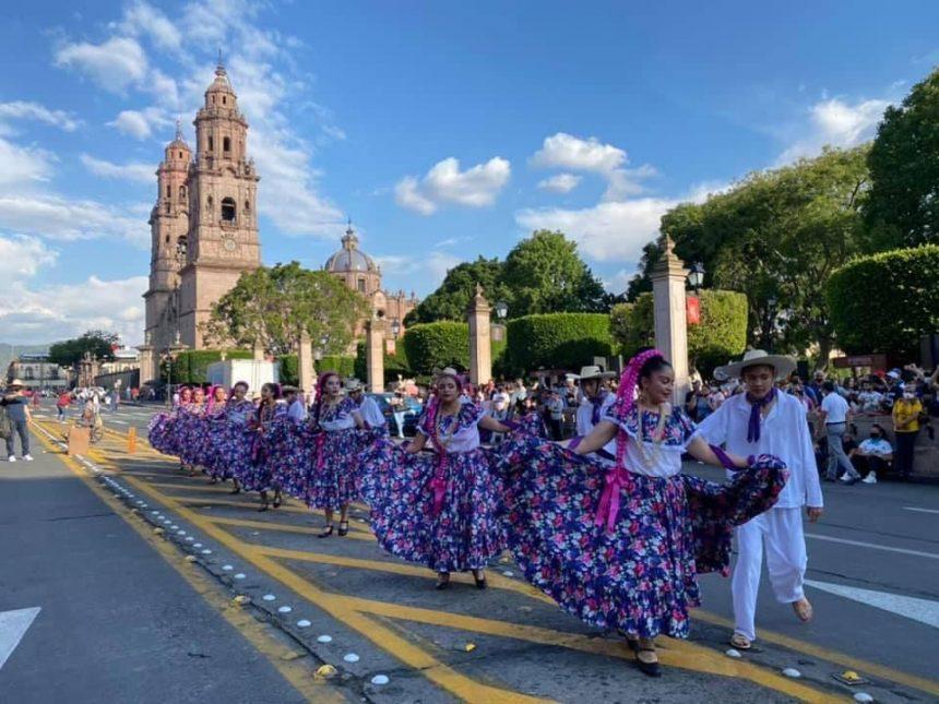 Al ritmo de Juan Colorado, bailarines se apropian del Centro Histórico